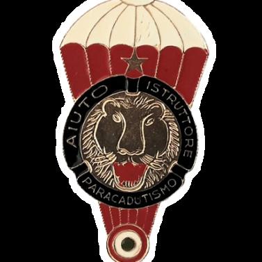 aiuto istruttore di paracadutismo