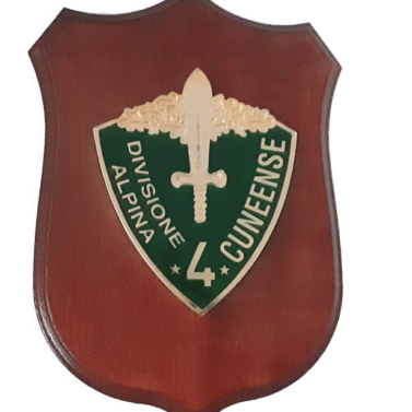 Quarta divisione alpina Cuneense crest